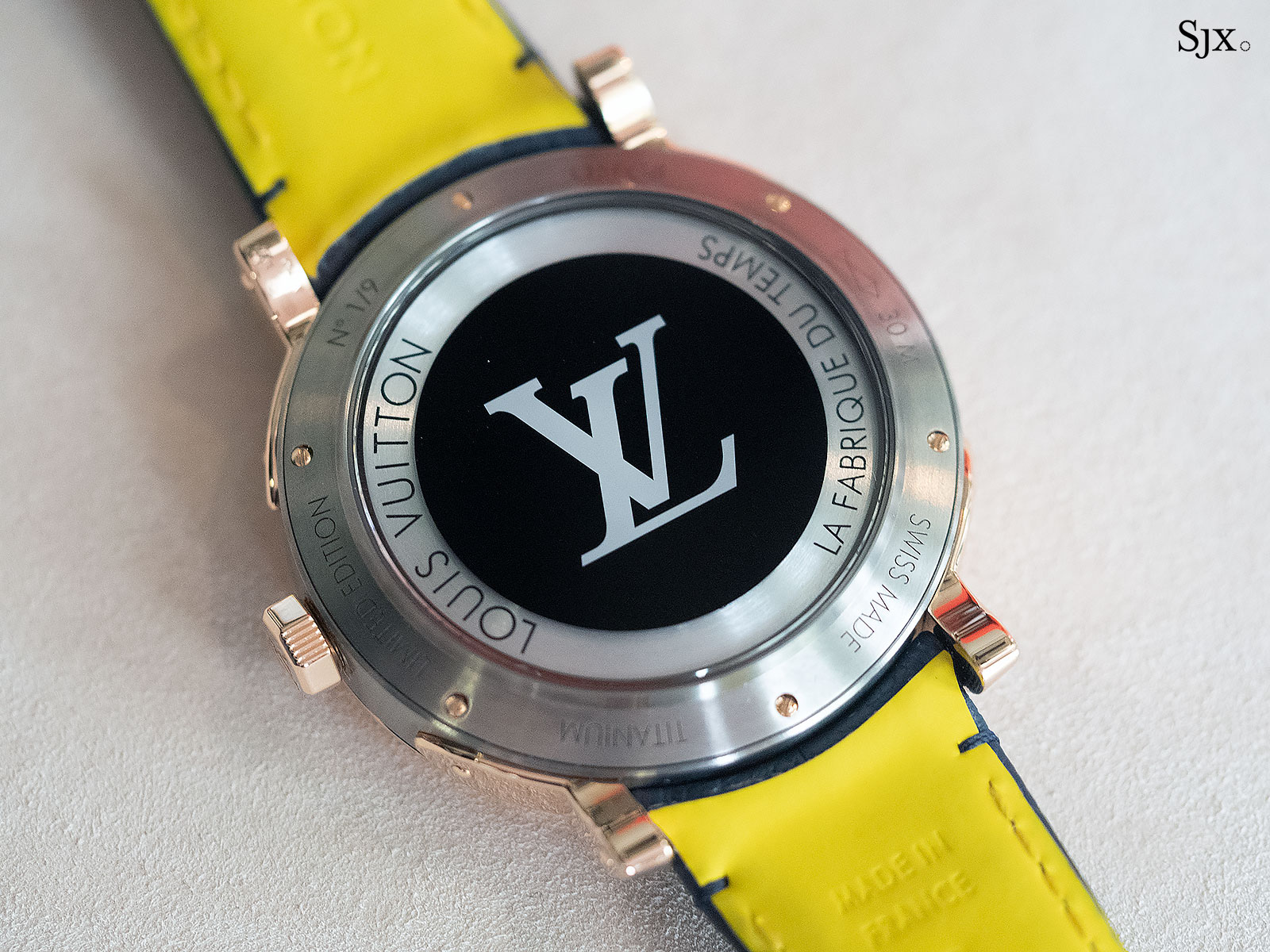 Louis Vuitton Escale Spin Time titanium gold 6