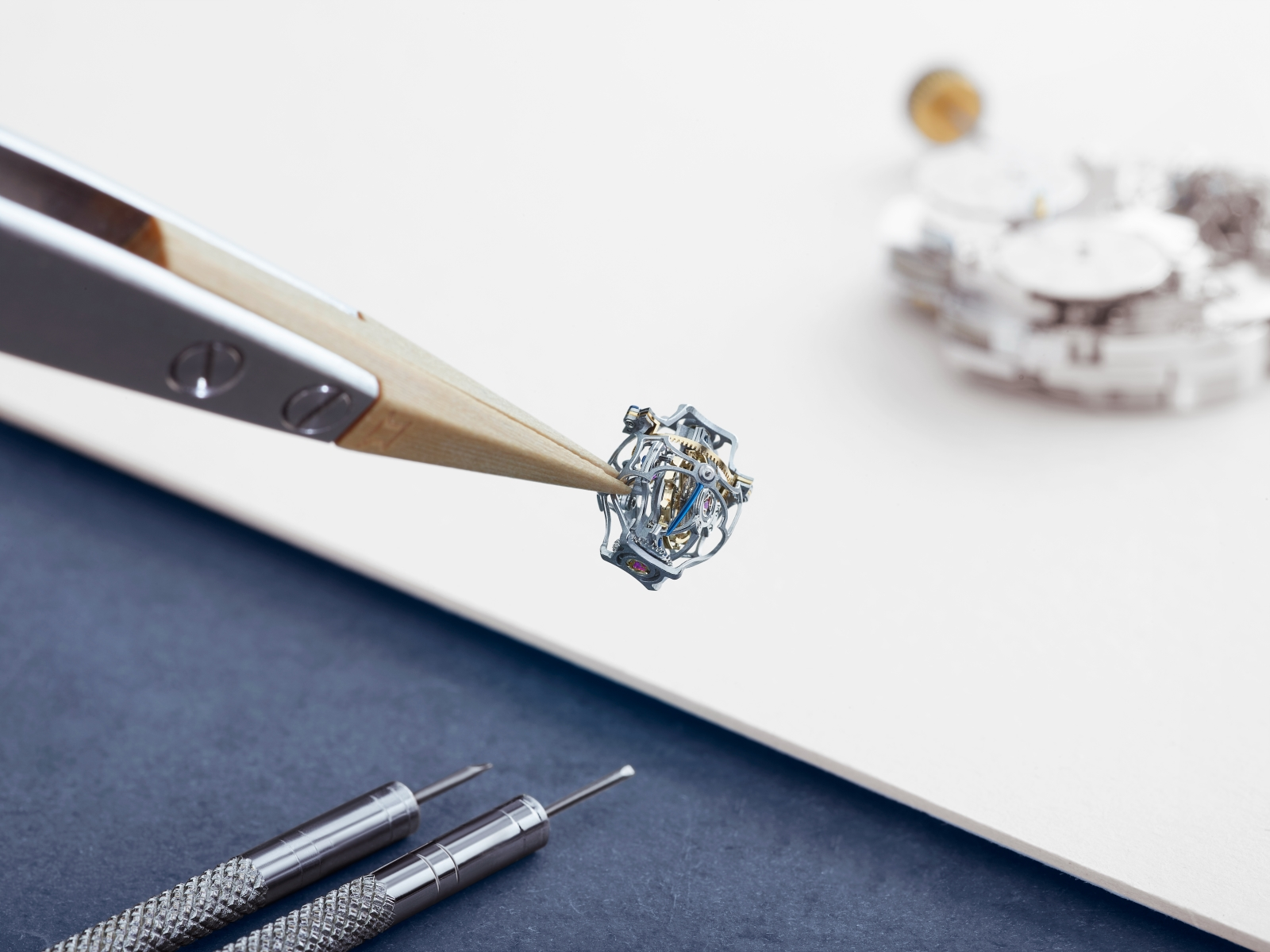 Jaeger-LeCoultre-Master-Grand-Tradition-Gyrotourbillon-Westminster-Perpetuel-3