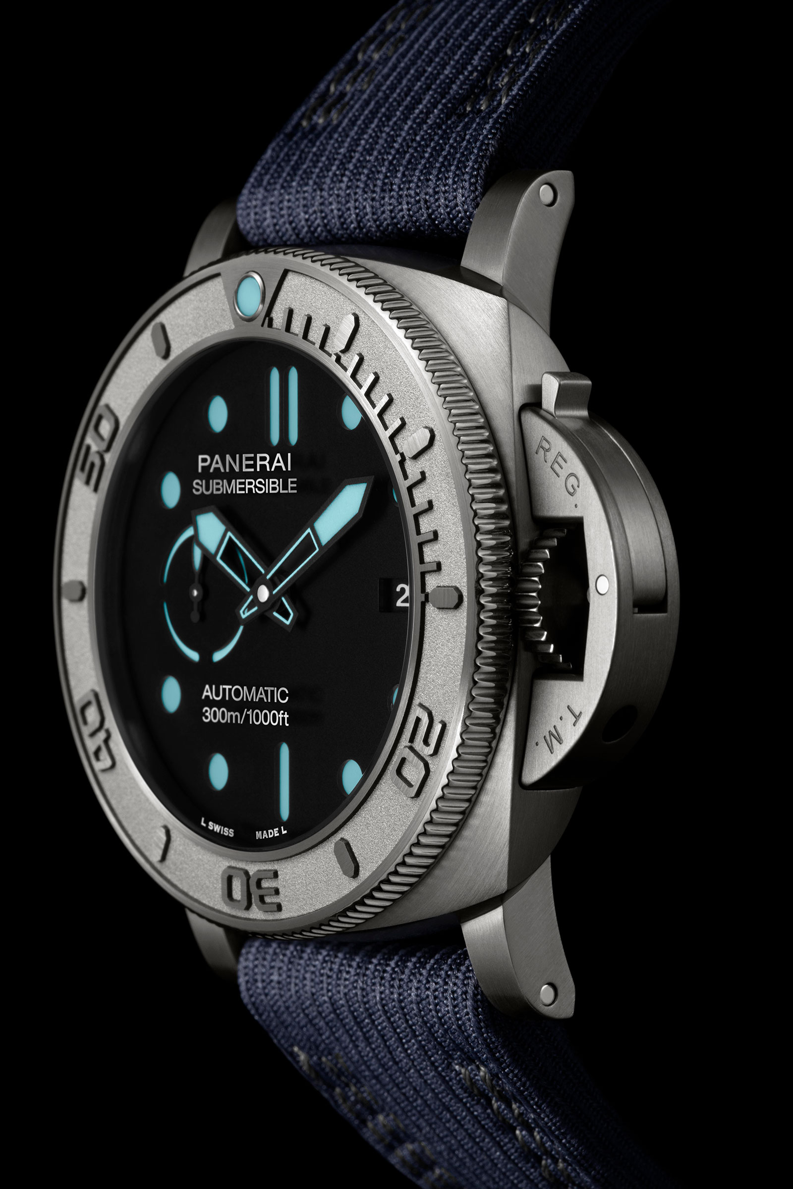 Panerai-Submersible-Mike-Horn-Pam985-2