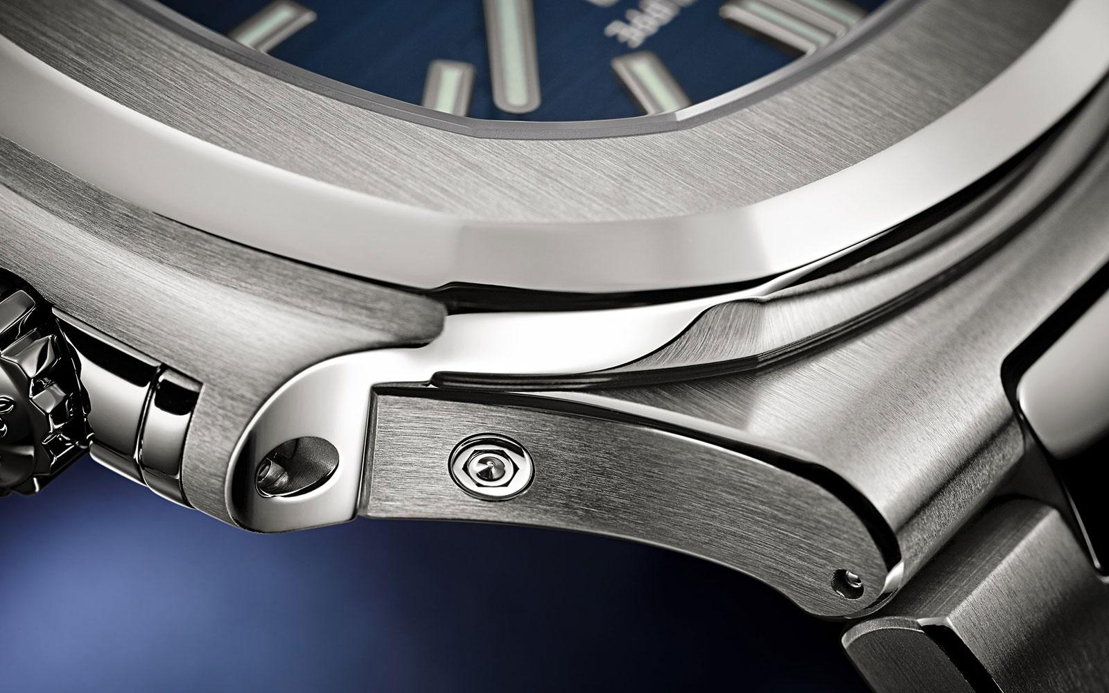 Patek Nautilus annual calendar 5726 blue dial 2