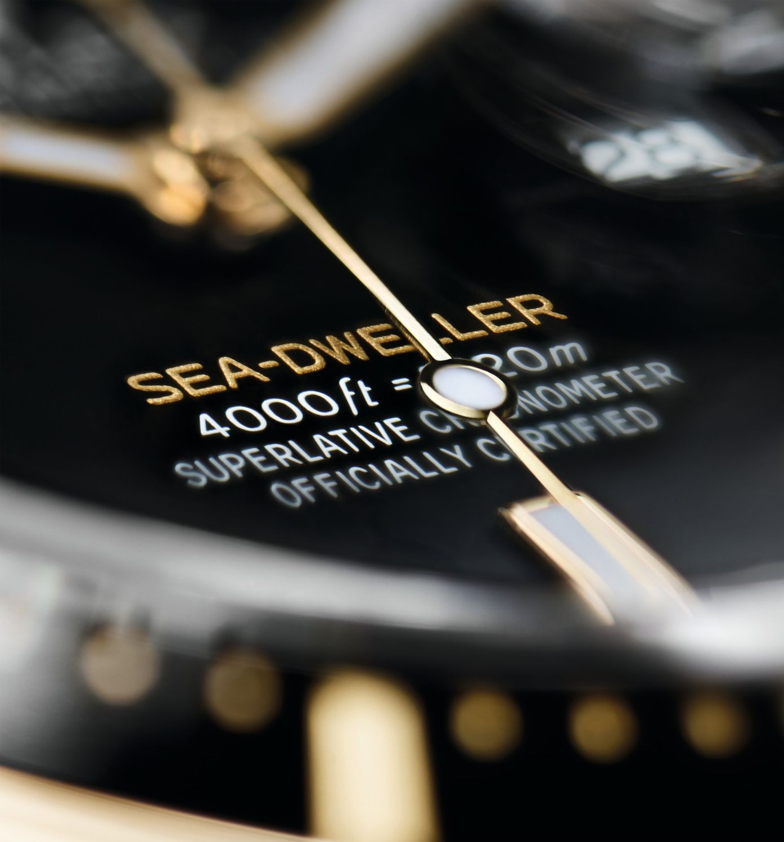Rolex Sea-Dweller in Yellow Rolesor dial close up