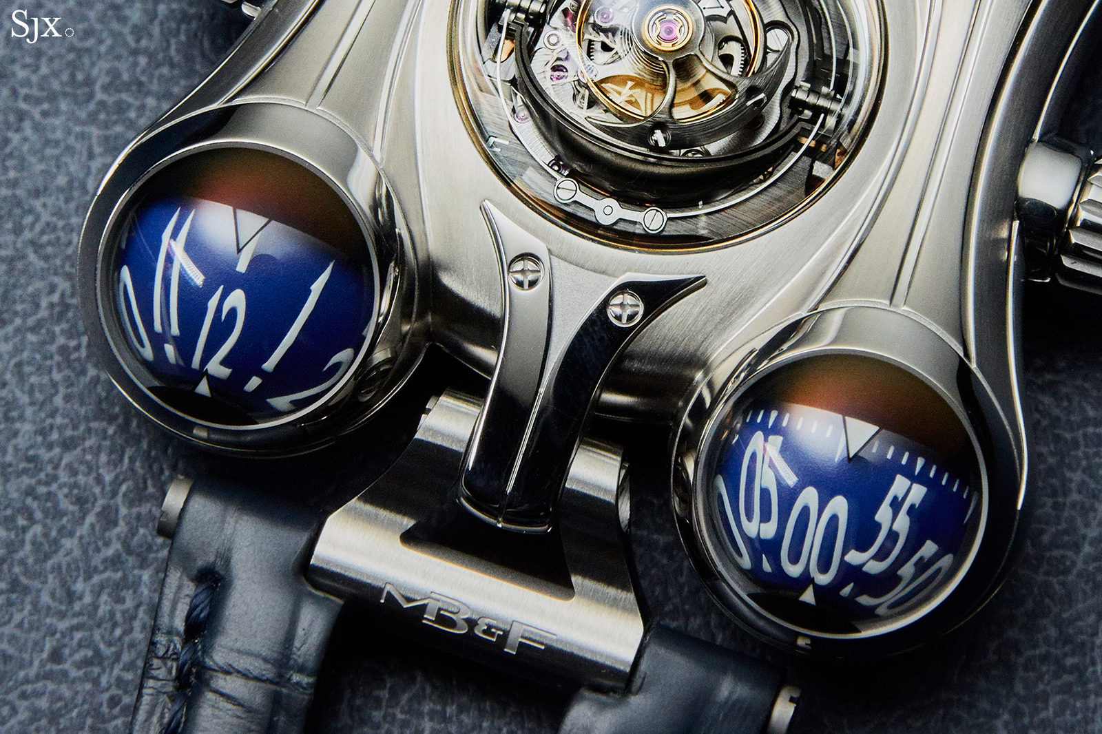 MB&F HM6 Final Edition time close up
