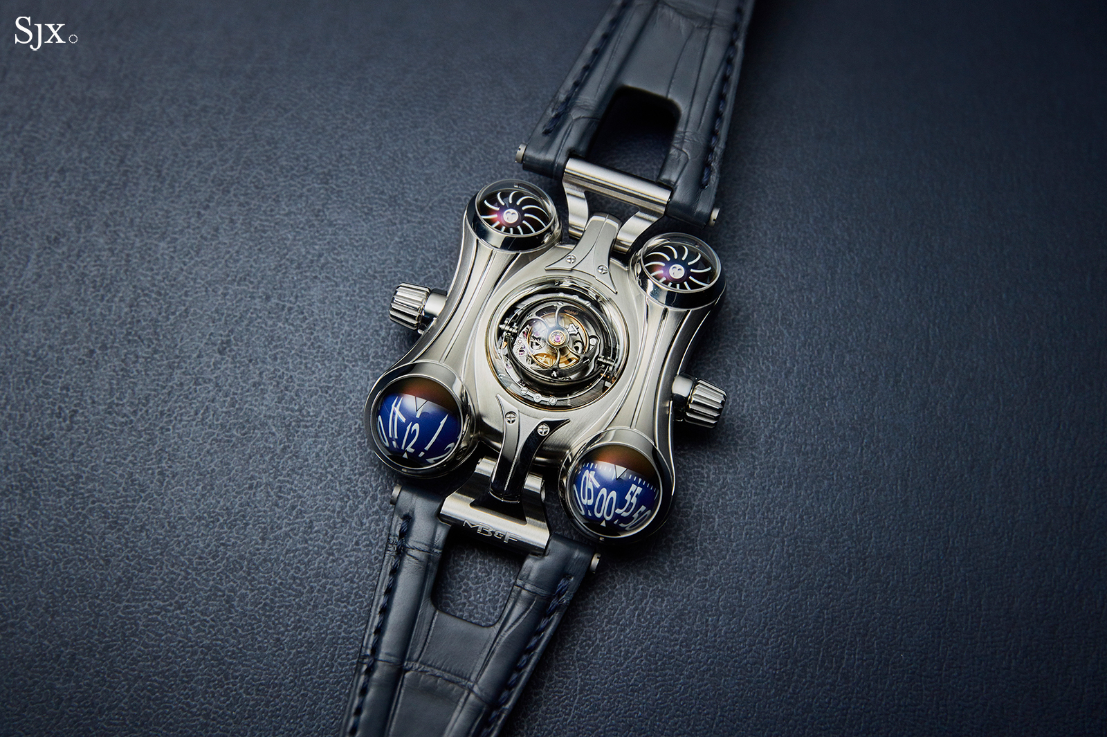 MB&F HM6 Final Edition top
