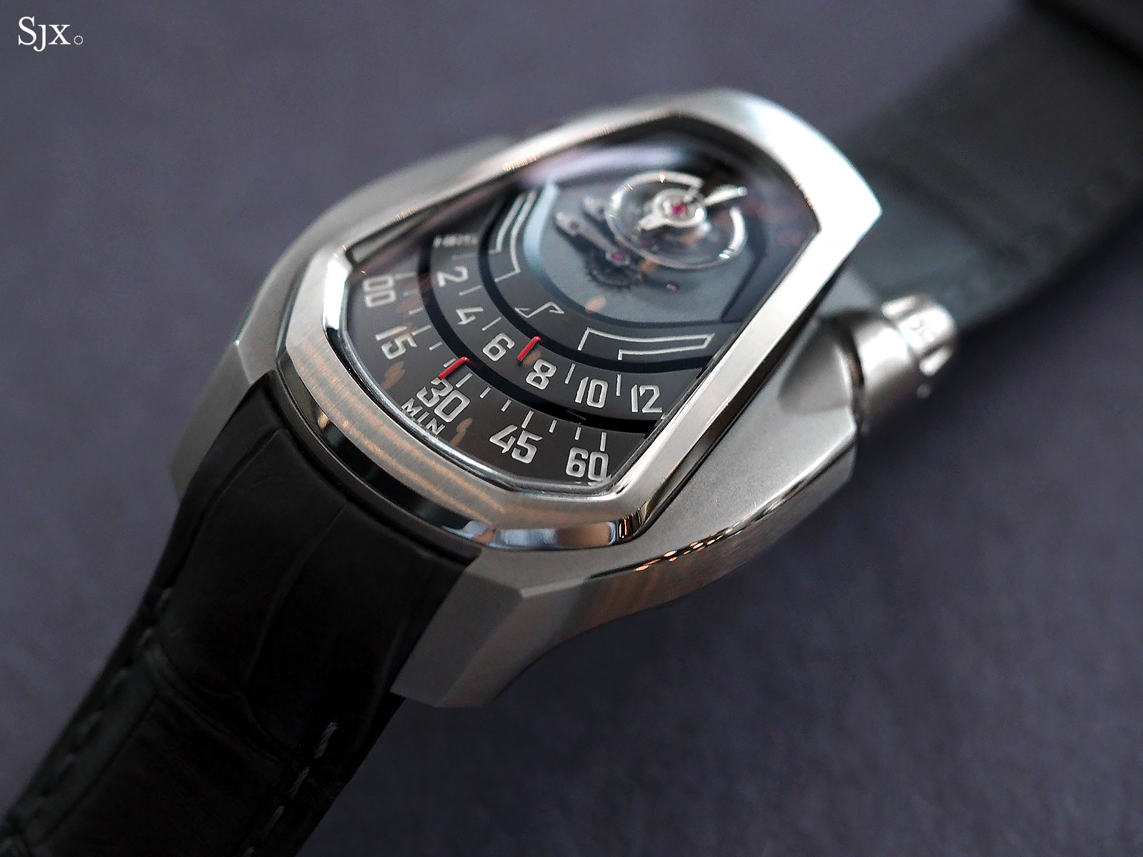 Phenomen Axiom watch titanium 1
