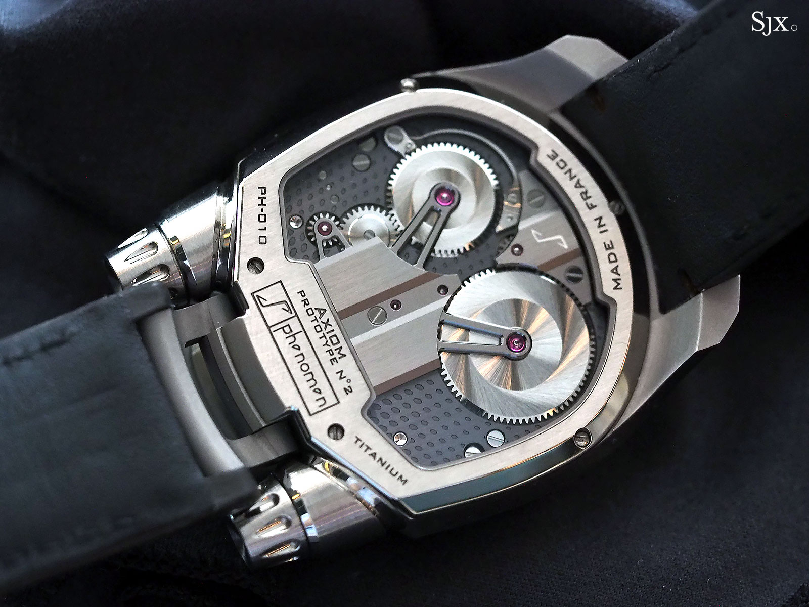 Phenomen Axiom watch titanium 7