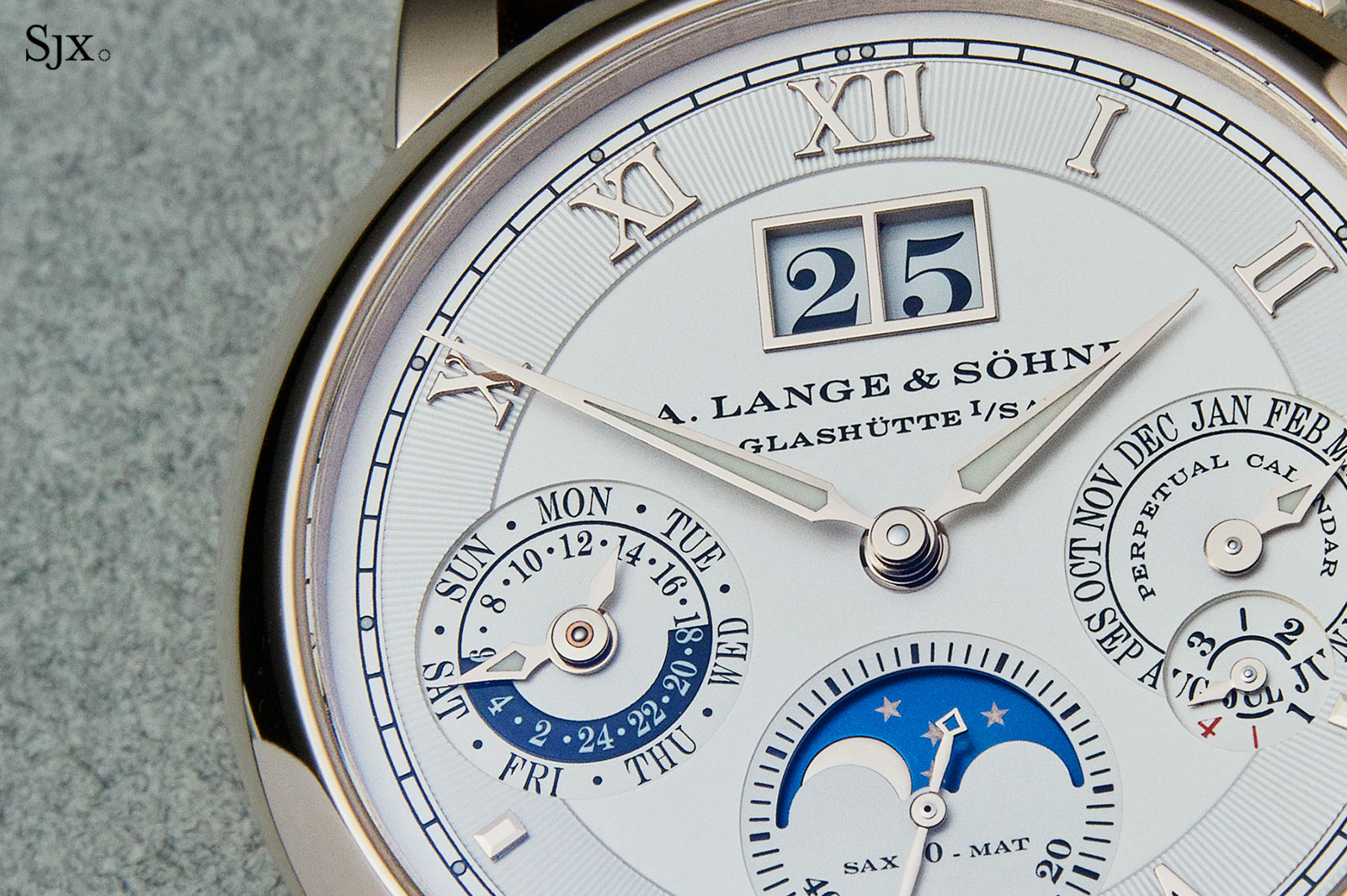 Lange Langematik Perpetual Honey Gold 1
