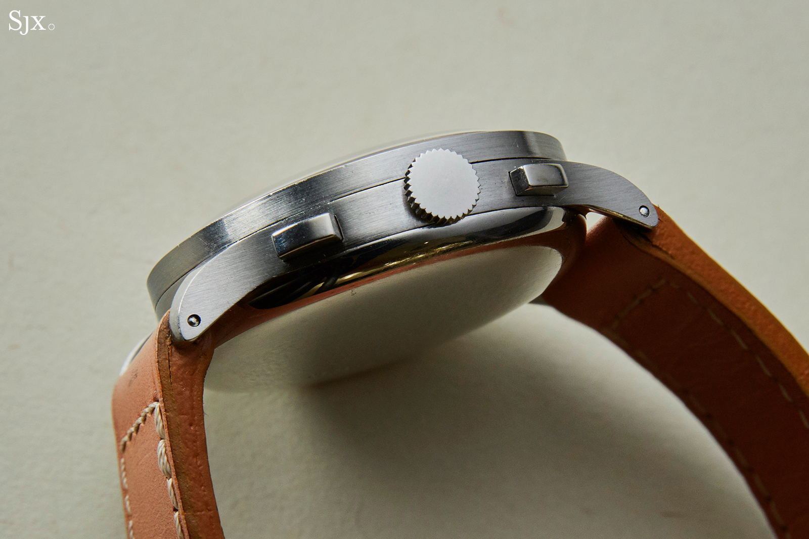 Rolex ref 3330 Salmon case side