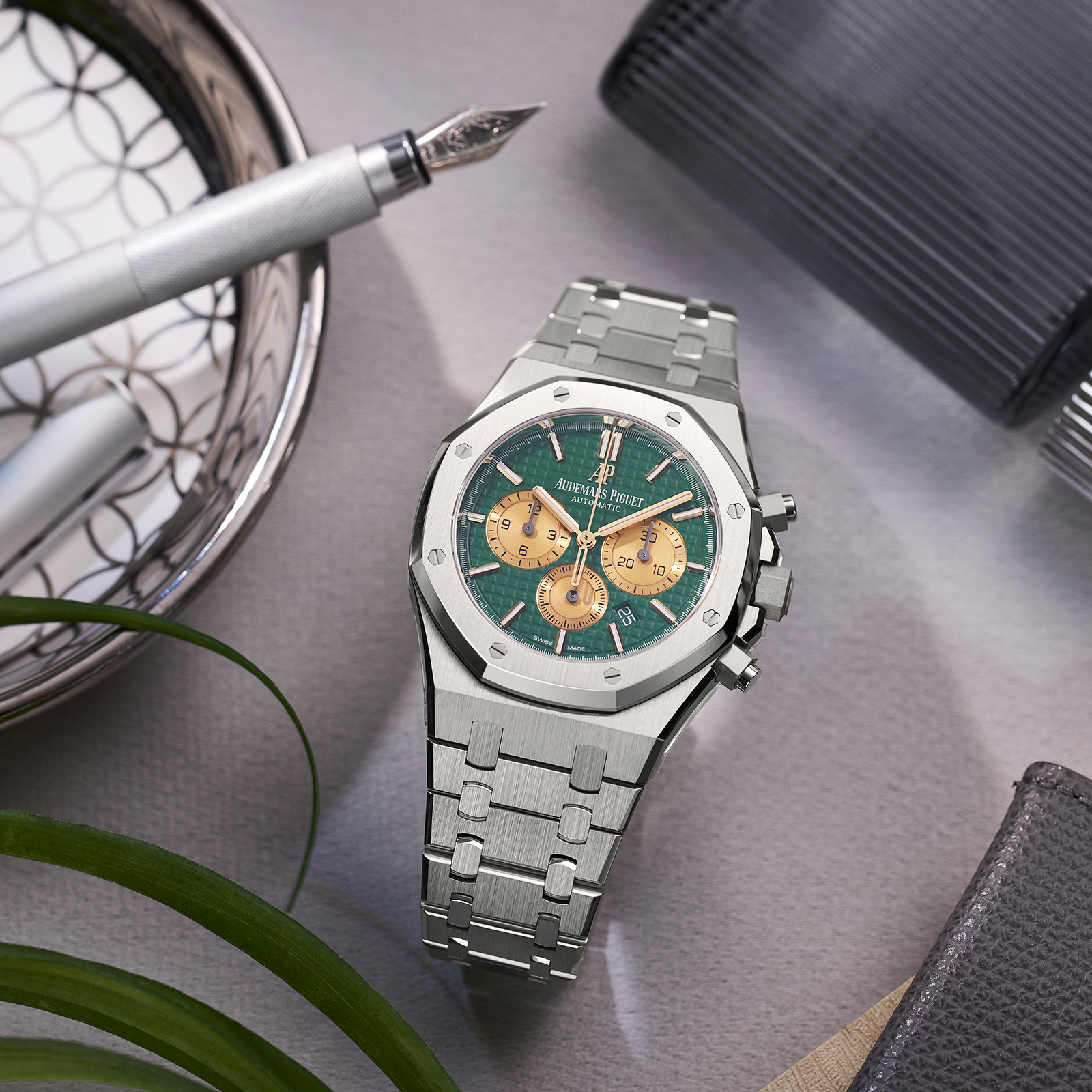 Audemars Piguet Royal Oak Self-winding Chrongraph The Hour Glass 2