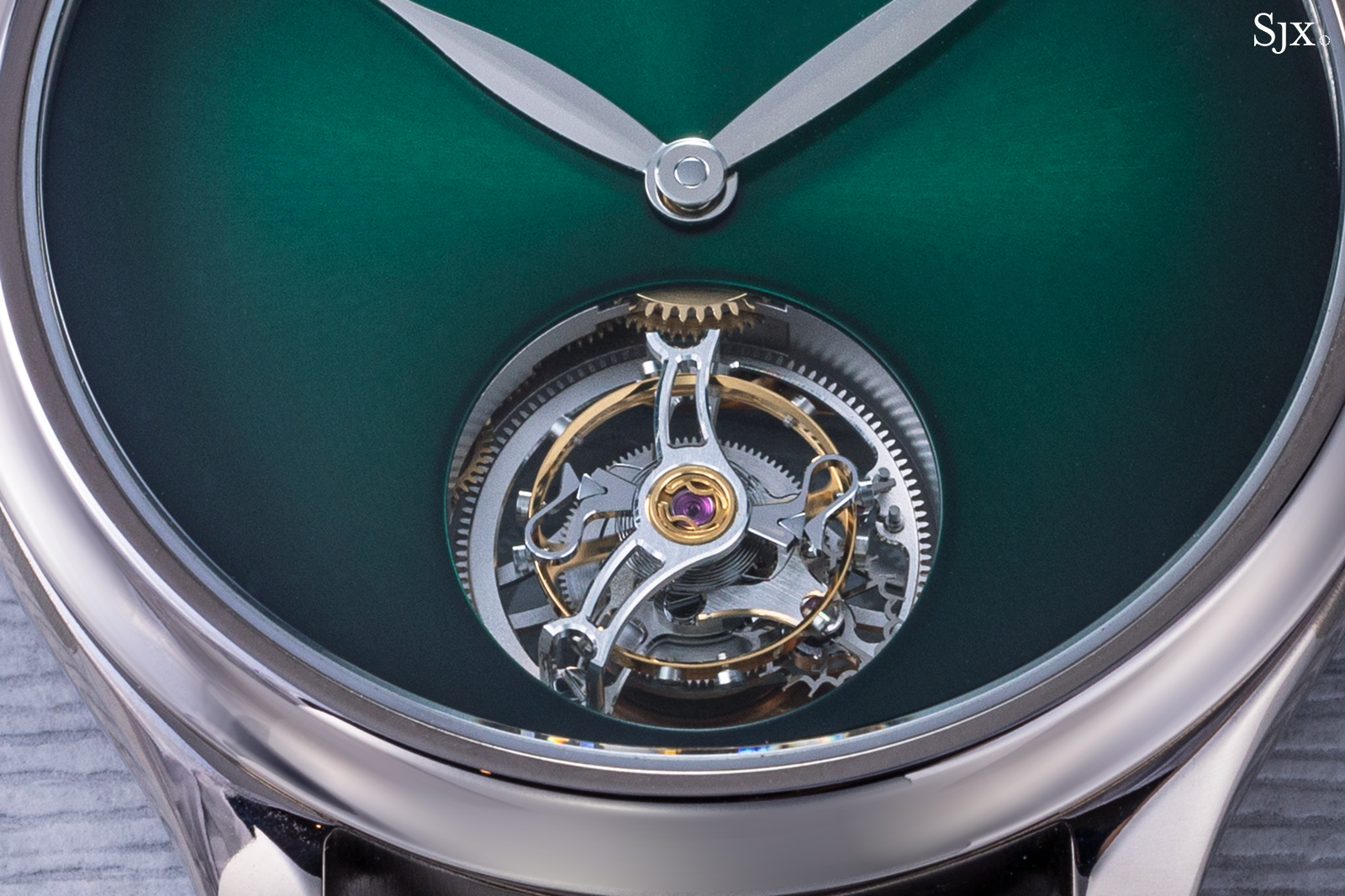 H. Moser & Cie Endeavour Tourbillon Cosmic Green 3