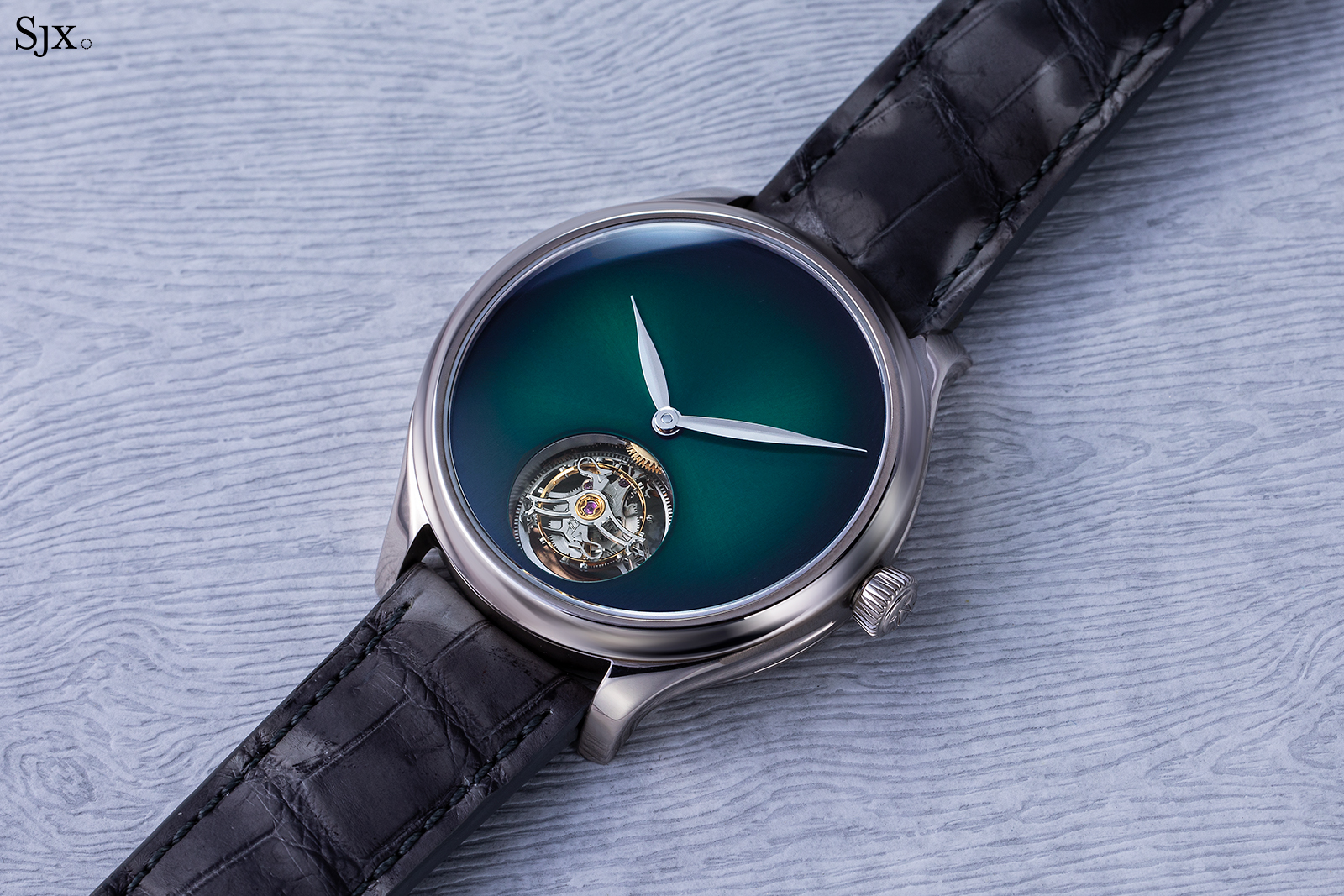 H. Moser & Cie Endeavour Tourbillon Cosmic Green