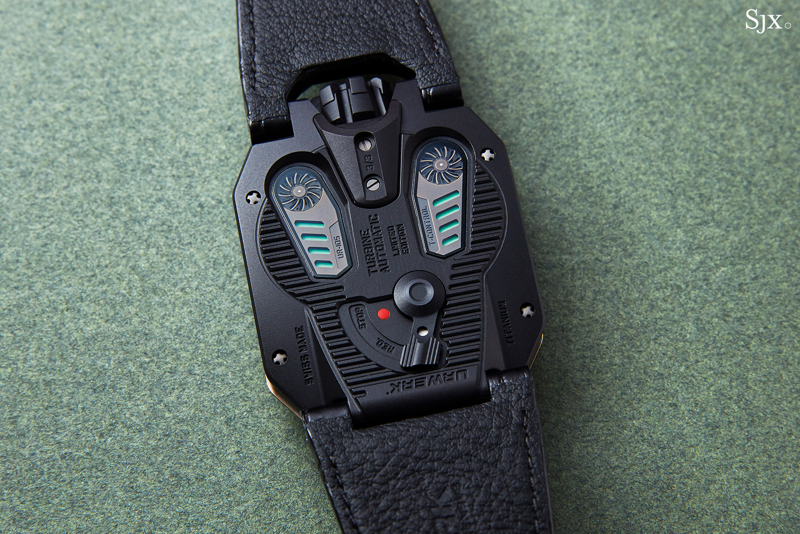 Urwerk UR-105 The Hour Glass 5