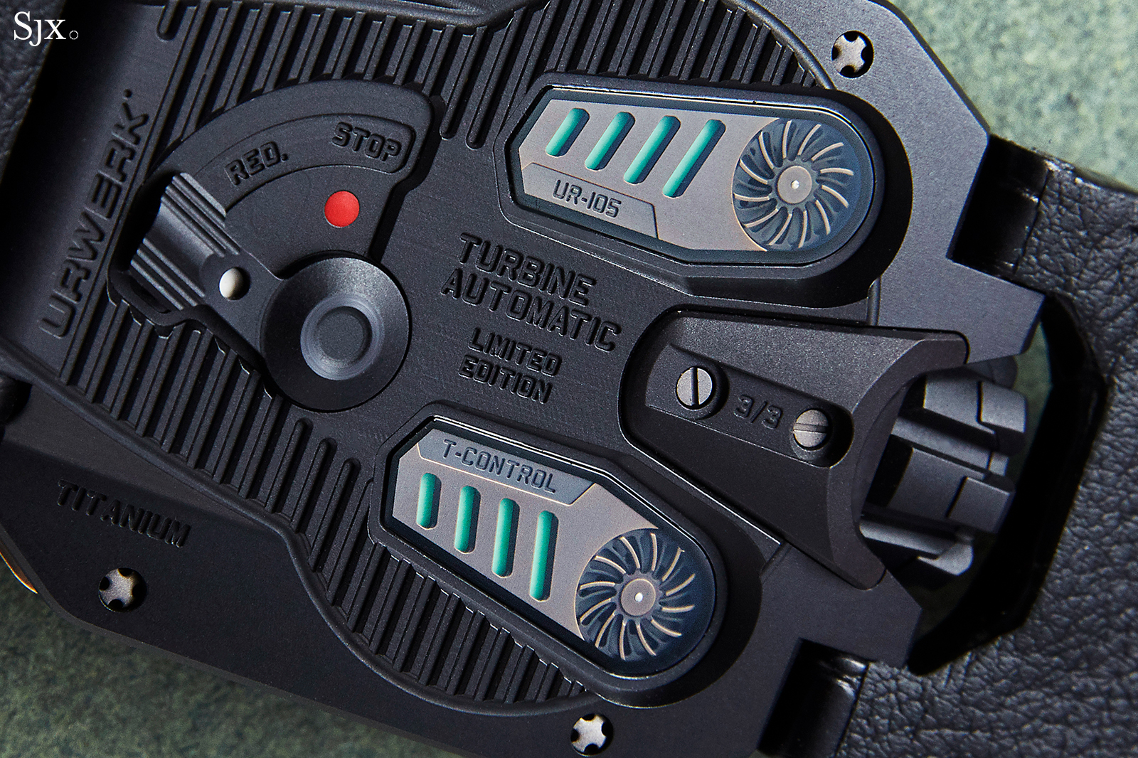 Urwerk UR-105 The Hour Glass 6