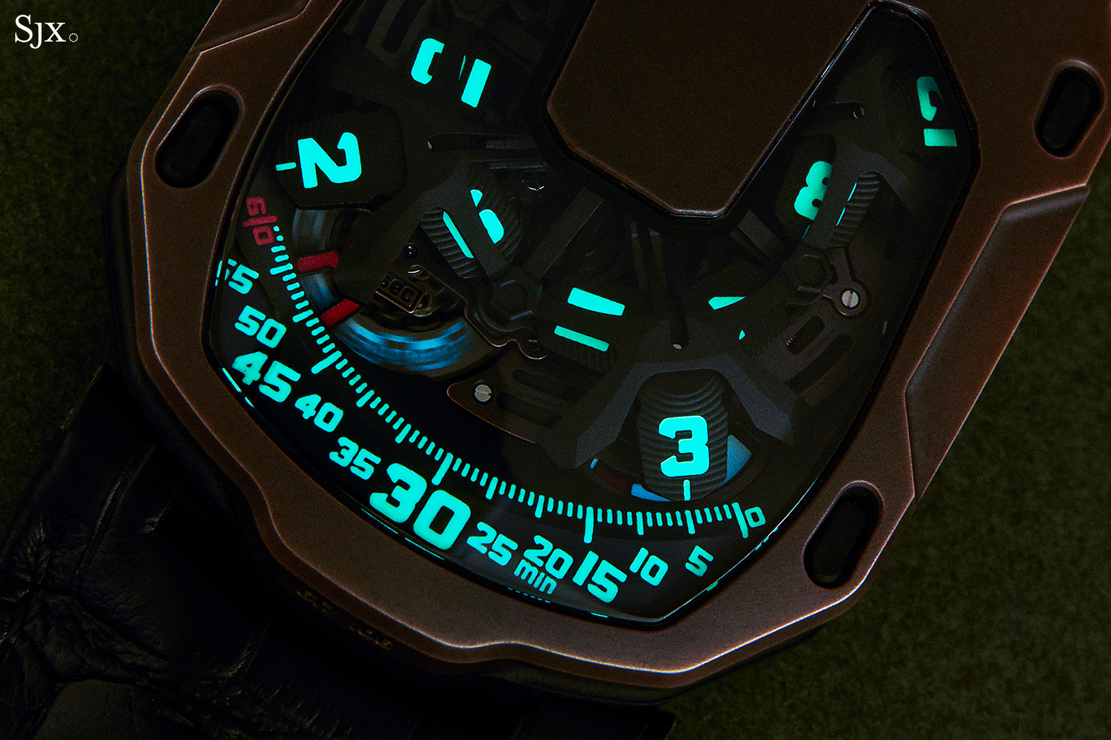 Urwerk UR-105 The Hour Glass 9