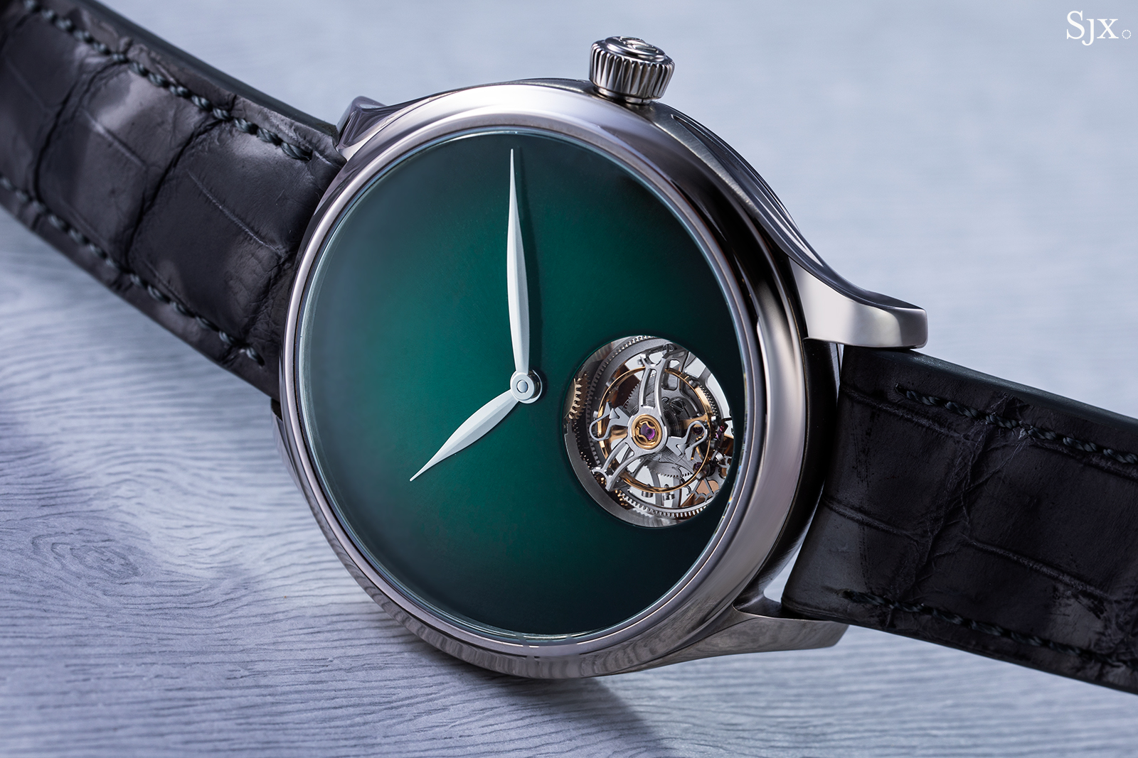 H. Moser & Cie Endeavour Tourbillon Cosmic Green 5