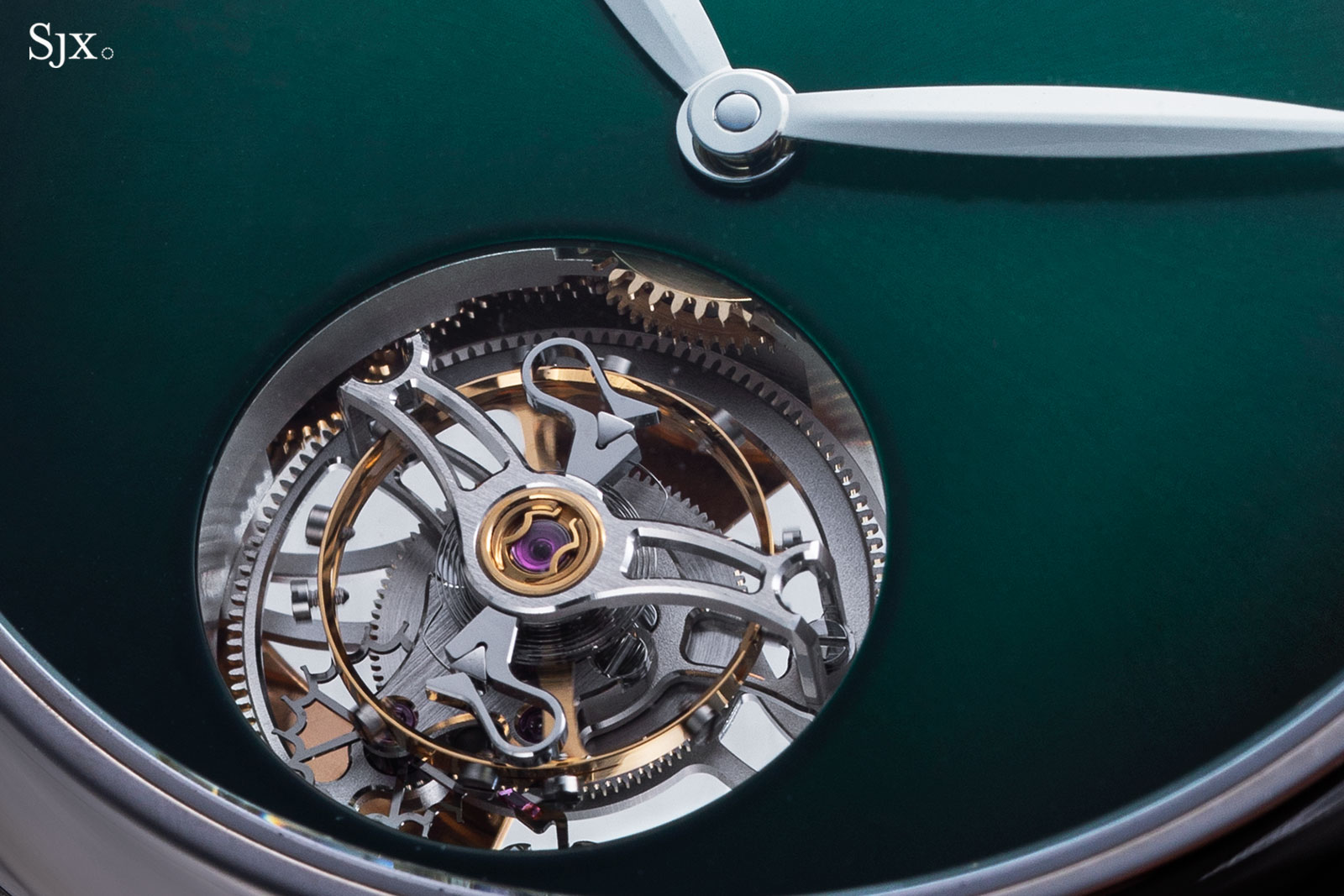 moser Endeavour Tourbillon Cosmic Green 2