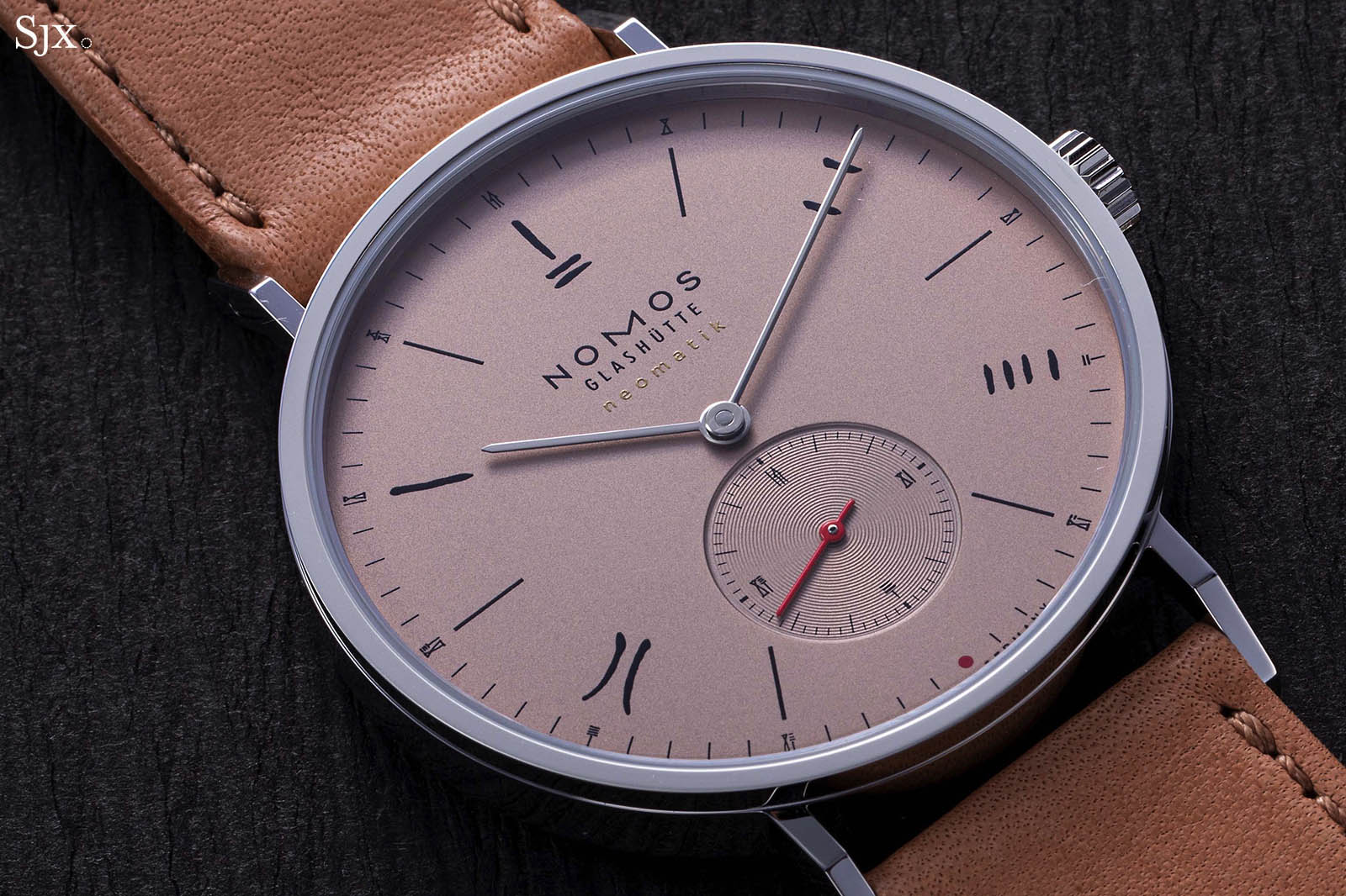 "Nomos Tangente Neomatik 39 Red Dot ""The Hour Glass"" Limited Editions-5"