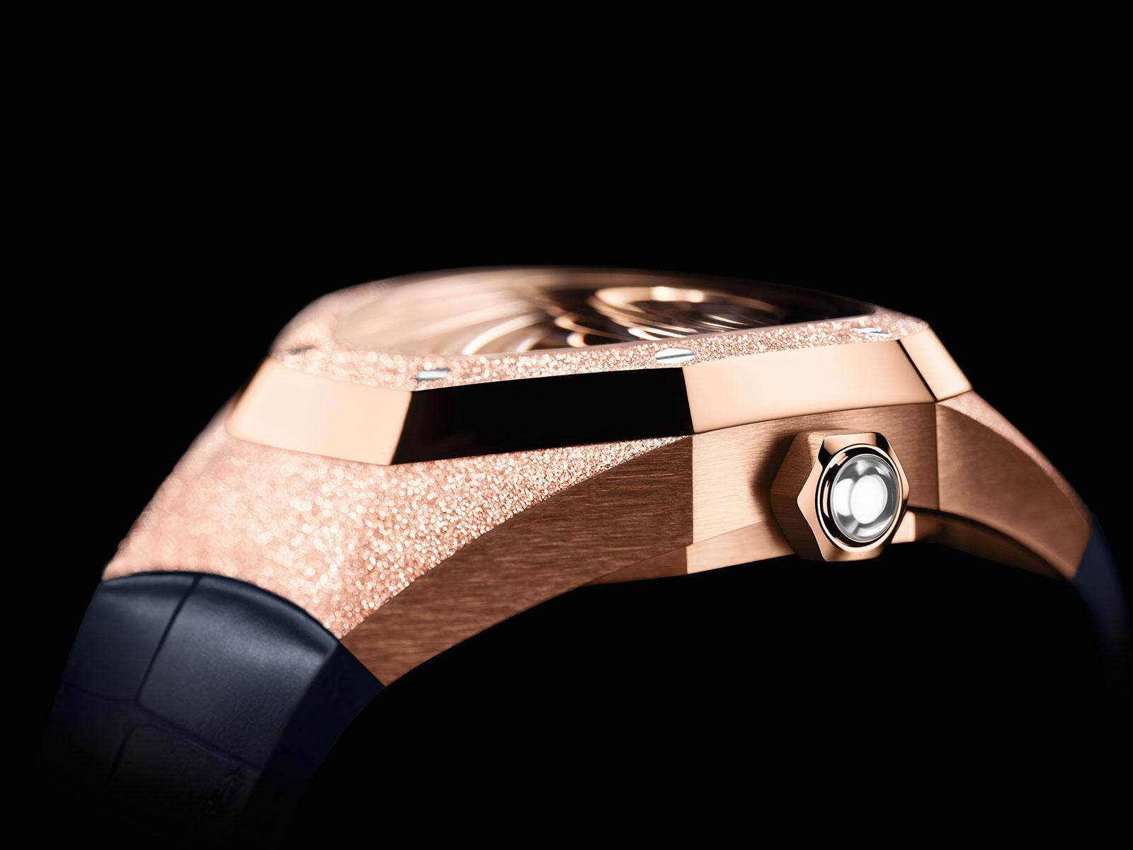 https://watchesbysjx.com/wp-content/uploads/2020/08/audemars-piguet-Royal-Oak-Concept-Frosted-Gold-Flying-Tourbillon-5.jpg